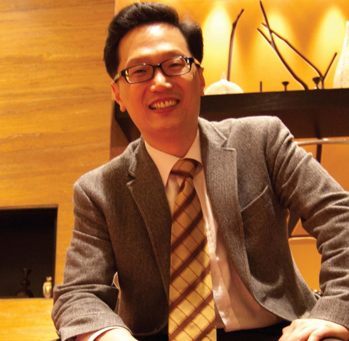 Dr. Uriah Kim